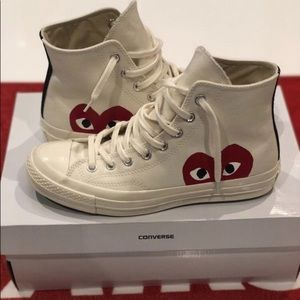 Cdg converse 7.5 it's is a size 8.5 in vans